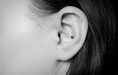 Conch Piercings Concha Jewellery Cartilage Piercing Guide Uk